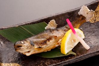 八幡平ハイツ岩魚の塩焼き