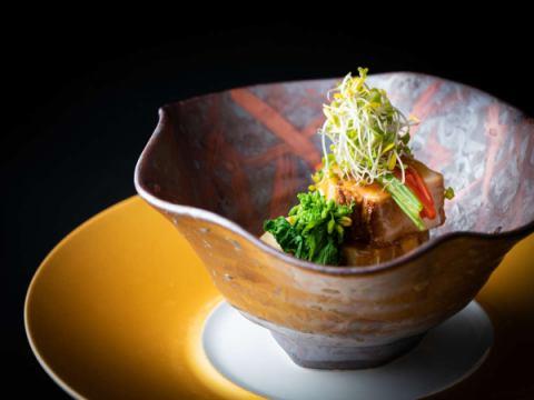 媛ポークの角煮と米茄子の餡かけ