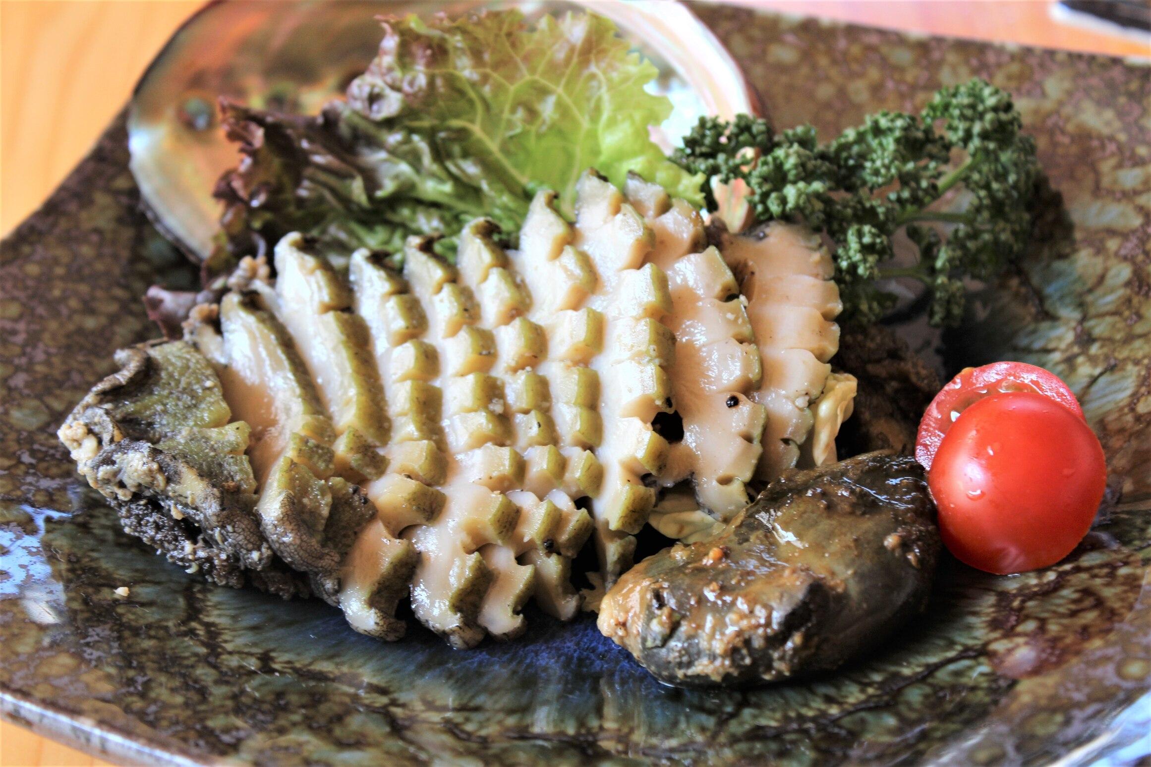 岩本屋天然黒あわびのステーキ