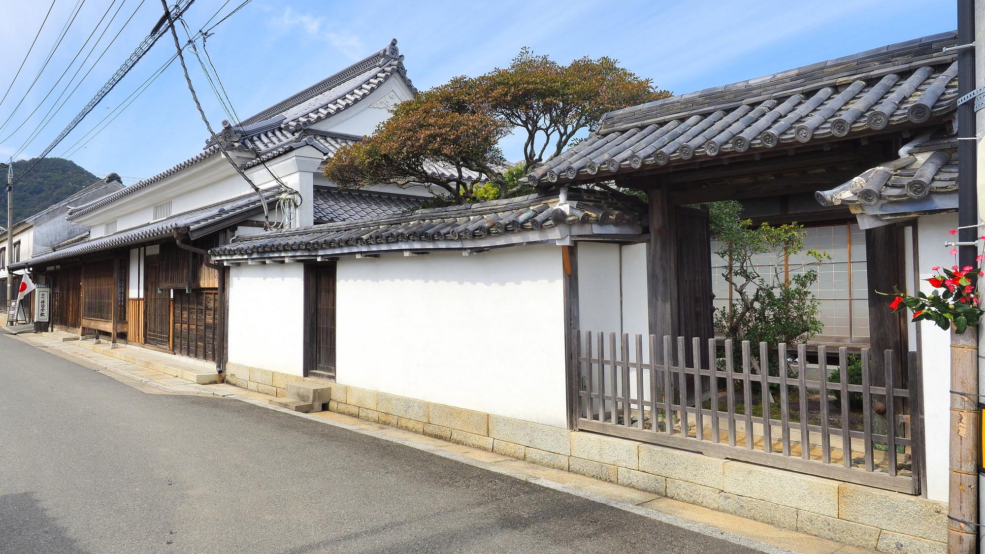 讃州井筒屋敷と引田の町並み
